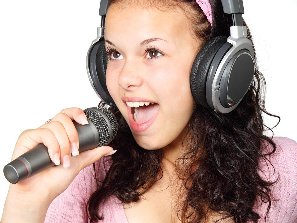 Karaoke Singer Girl Mic Music Microphone Holding